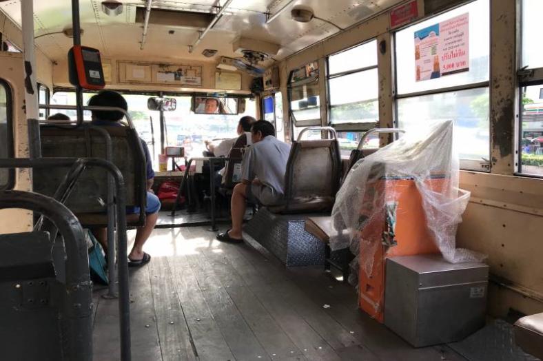 曼谷公車 10月啟用電子票